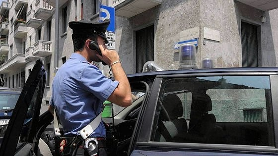 Firenze, arrestato per stalking: aveva due coltelli