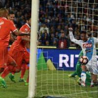 Fiorentina sconfitta, il Napoli si diverte. Sousa sbaglia ancora la formazione