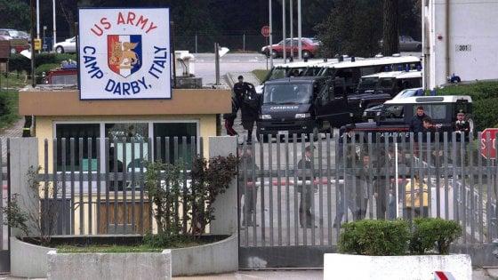 Pisa, armi su rotaia per Camp Darby: la nuova ferrovia nel parco di San Rossore fa abbattere mille alberi
