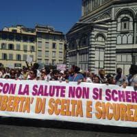 No ai vaccini obbligatori: a Firenze in 1500 per la protesta dei grembiulini