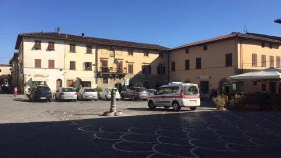 """Arezzo, bimba dimenticata in auto: muore a 18 mesi. La mamma: """"Non l'ho vista"""""""