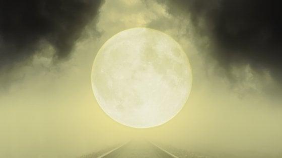 """""""Vite deragliate"""" di Tommaso Strambi: il binario segreto di esistenze che non ti aspetti"""