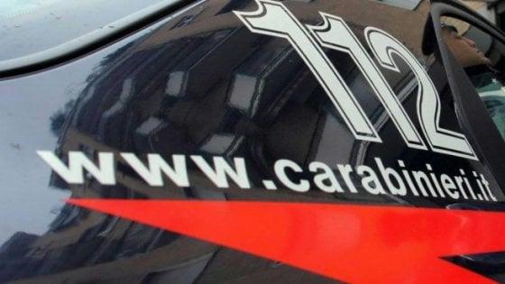 Massa, cimici nelle auto dei carabinieri accusati di abusi e violenze in caserma