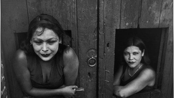 Henri Cartier-Bresson, il maestro della fotografia in mostra a San Gimignano