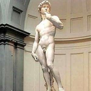 Firenze, condizionatori guasti all'Accademia: disagi e malori