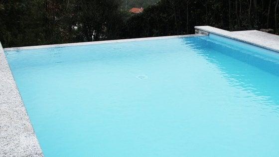 Firenze dirigente comunale sospesa dal servizio per l - San marcellino piscina ...