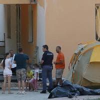 Firenze, protesta in un cantiere: sotto la tenda con i figli