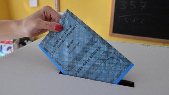 Toscana, il giorno dei ballottaggi: tra centodestra e Cinque Stelle è assedio alla sinistra