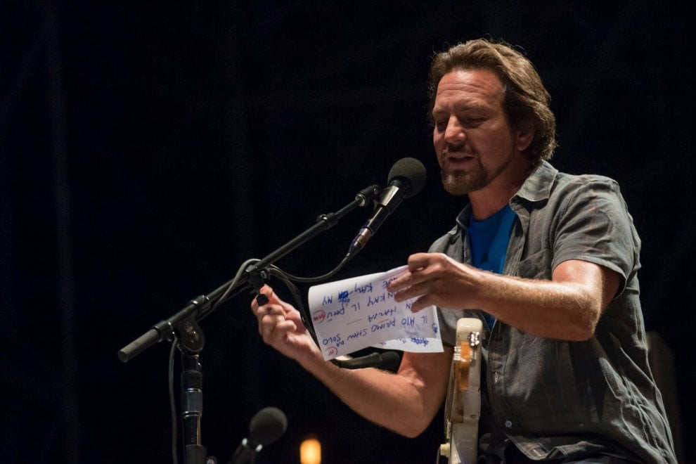 Firenze Rocks, Eddie Vedder strega il pubblico del Visarno