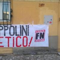 Striscione di Forza Nuova contro un sacerdote del Pisano: aveva ospitato la festa di fine...