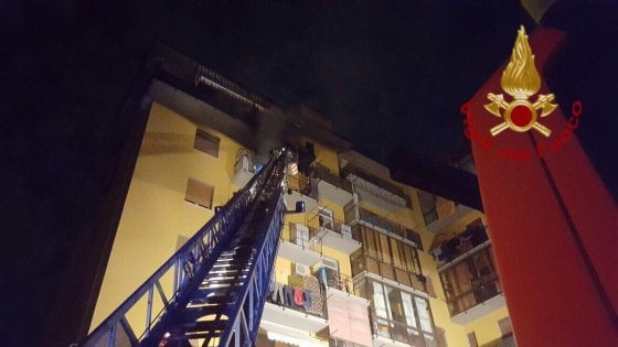 Scandicci, appartamento in fiamme al quinto piano