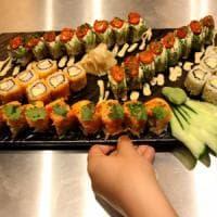 In estate occhio a sushi e crudi: in Toscana 149 casi di malattie da cibo