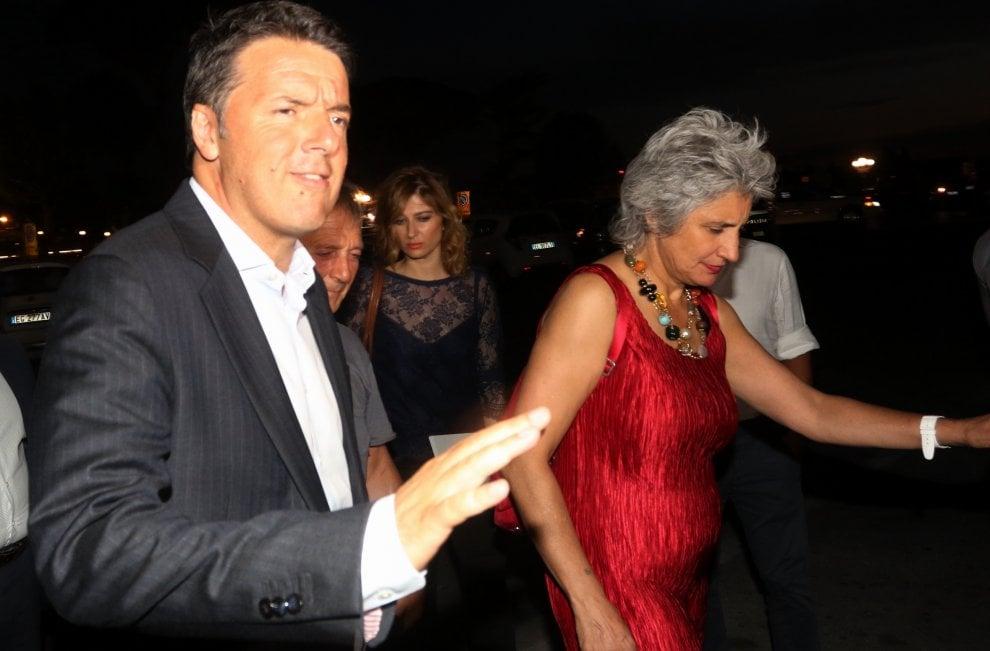 """Firenze, Renzi al Piazzale Michelangelo per presentare Avanti. """"L'esperienza più bella è stata quella di sindaco"""""""