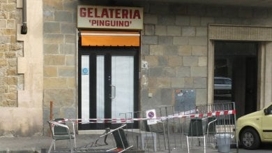 Firenze, travolti da un furgone in gelateria: ferita una donna e 3 bambini   - foto