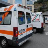 Nel Senese, scivola la ruspa giù dal camion e uccide un'automobilista