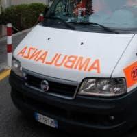 Firenze, mamma usa benzina per eliminare i pidocchi: dodicenne in condizioni
