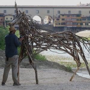 Firenze, sull'Arno arrivano gli animali fantastici