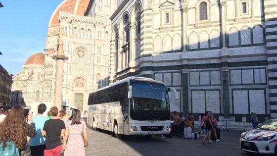 Firenze, oltraggio in piazza Duomo