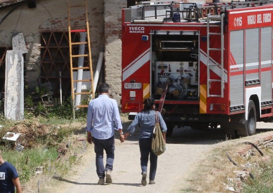 Anarchici accusati degli attentati, la mamma prova a convincere la figlia a scendere dal tetto