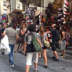 Corteo per la Liberazione di Firenze, gli anarchici contestano le istituzioni