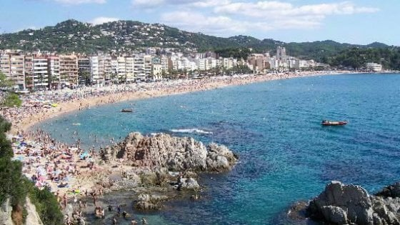 Lloret de Mar, ragazzo italiano ucciso a calci e pugni in discoteca