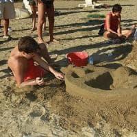 Firenze, in riva d'Arno torna il torneo dei castelli di sabbia