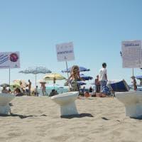 Capalbio, il flash mob di Legambiente contro i cotton fioc gettati nel water