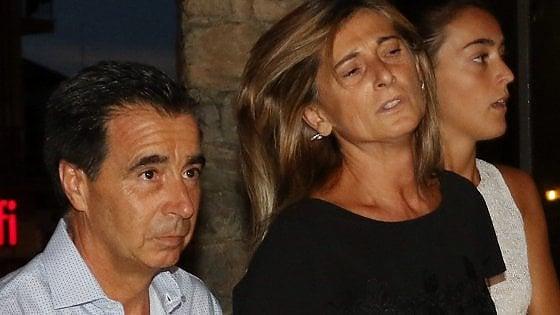 """Scandicci, lacrime e rabbia alla veglia per Niccolò. Il padre: """"Assassini dovrebbero essere al suo posto"""""""