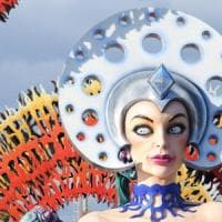 Carnevale di Viareggio, multa dopo 4 anni all'ex presidente Santini per