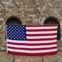 Arezzo, regala il pane all'ambasciatore Usa. Lui ricambia acquistando carne