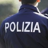 Siena, offre caramelle e tenta di abusare di una bambina: arrestato 85enne