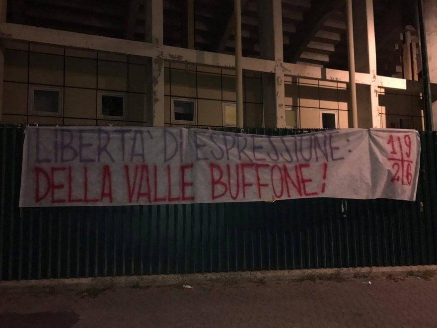 Fiorentina, striscioni al Franchi contro i Della Valle