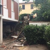 Livorno, maltempo: fango nelle case e muri crollati