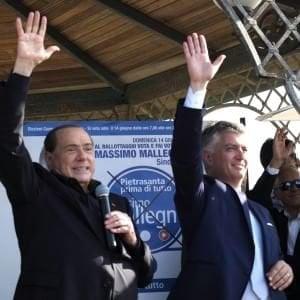 """Pietrasanta, si dimette Mallegni: """"Ho detto sì a Berlusconi, mi candido in Parlamento"""""""