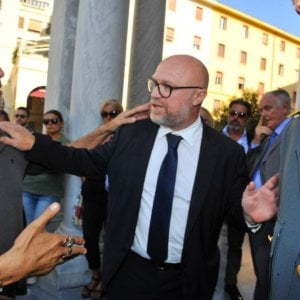 Nubifragio Livorno, si dimette il portavoce di Nogarin per un errore: ma il sindaco le respinge