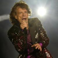Aspettando i Rolling Stones a Lucca. Show da record, in quattromila al lavoro