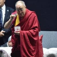 Firenze, in migliaia per il Dalai Lama: