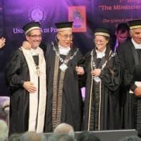 """Pisa, il Dalai Lama ritira la laurea Honoris causa: """"Aiuto per un mondo migliore"""""""