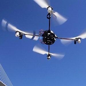Fa volare drone sul Ponte Vecchio: ragazzino denunciato