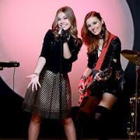 Maggie & Bianca , le teen idol della tivù in redazione