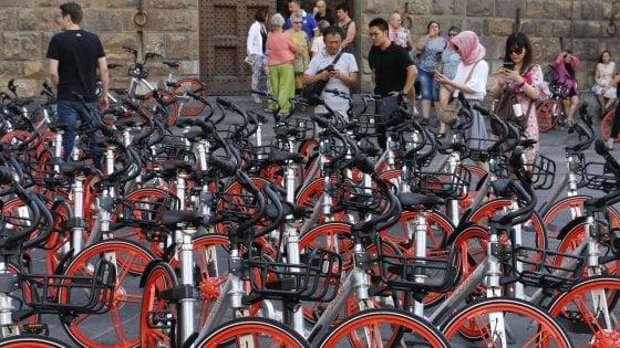 Firenze, se la Mobike è d'intralcio scattano le penalità