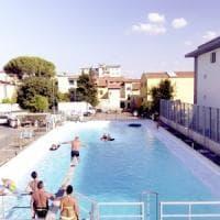 Prato, la cisterna in fabbrica diventa piscina per sette giorni per gli