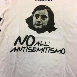 """Forte dei Marmi, il post del tifoso di hockey: """"Useremo adesivi di Anna Frank contro i nostri avversari"""