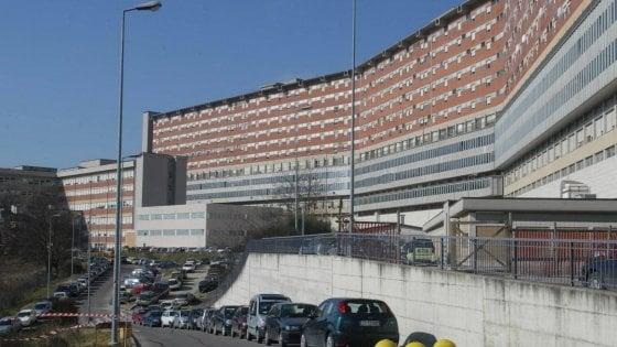 Siena crolla controsoffitto ospedale: 5 feriti