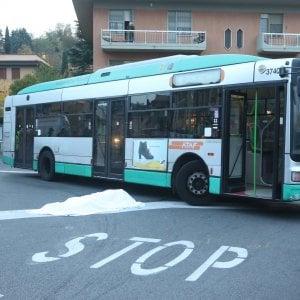 Bagno a ripoli litiga con l 39 autista del bus investito for Bagno a ripoli firenze bus