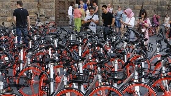 Mobike, la tariffa sale a 50 centesimi: e arrivano gli abbonamenti