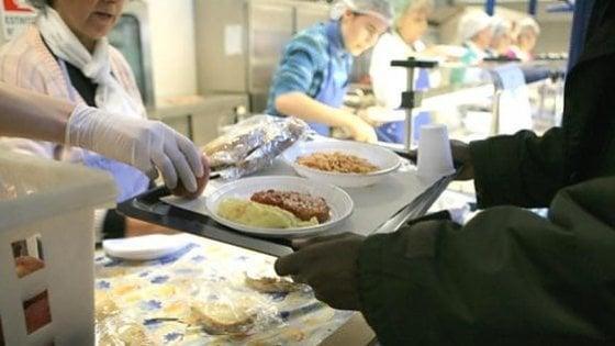 Toscana, carne avariata in mense scolastiche, ospedali e caserme: cinque arresti