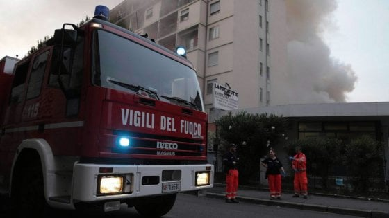 """Firenze. Incendio a Camaiore: """"sconsigliata"""" frutta e verdura"""