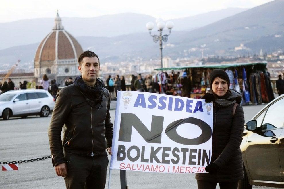 Firenze, la protesta degli ambulanti dalla Cascine al piazzale Michelangelo