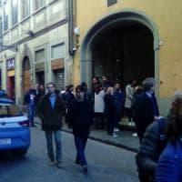 Firenze, musicista entra in un locale e appicca il fuoco alla sala concerti